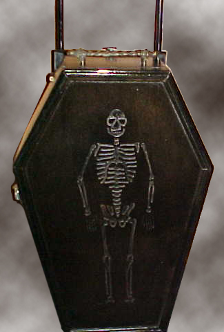 Carry On Coffin - Skeleton Detail